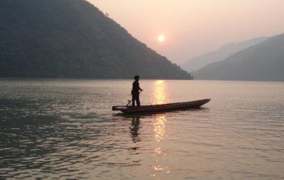 Bài soạn người lái đò sông đà của Nguyễn Tuân ở ngữ văn lớp 12